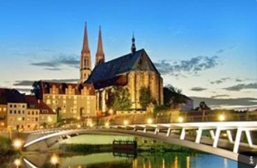 Görlitz – pro mnohé nejkrásnější město Německa. Přes 3 500 většinou láskyplně zrestaurovaných památek, starých až 500 let